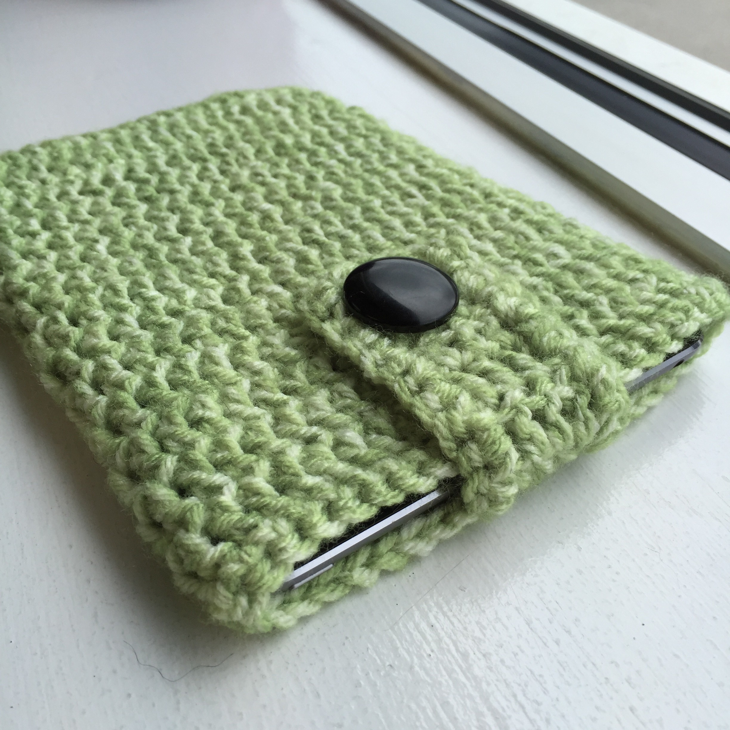 Easy Crocheted iPad Cozy