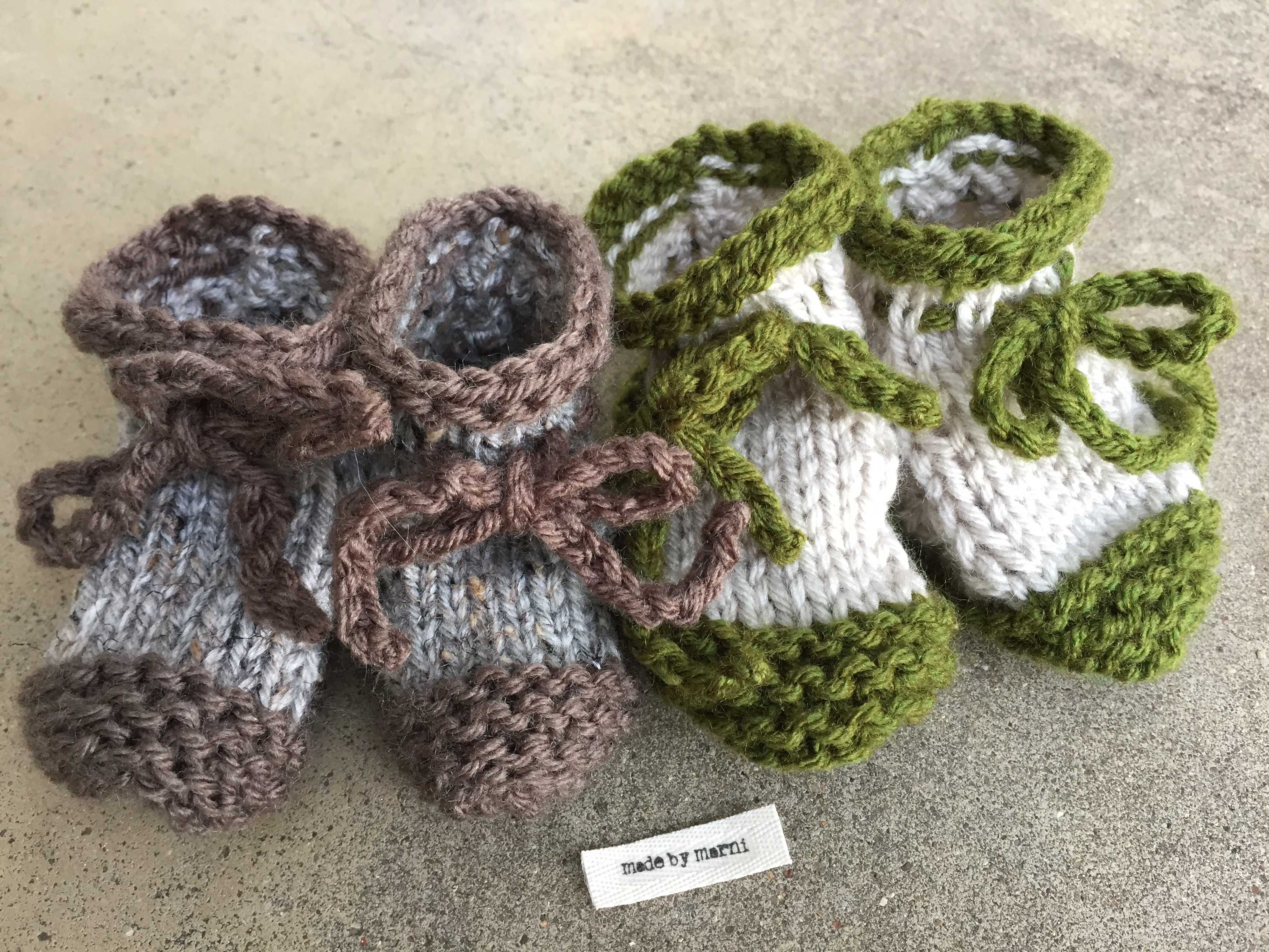 Knitted Baby Booties Tutorial