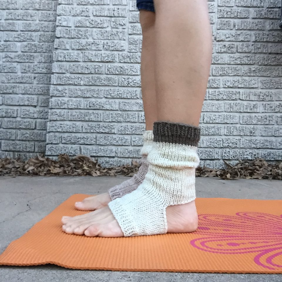 Knitting Patterns For Yoga : Knitted Yoga Socks   marni made it
