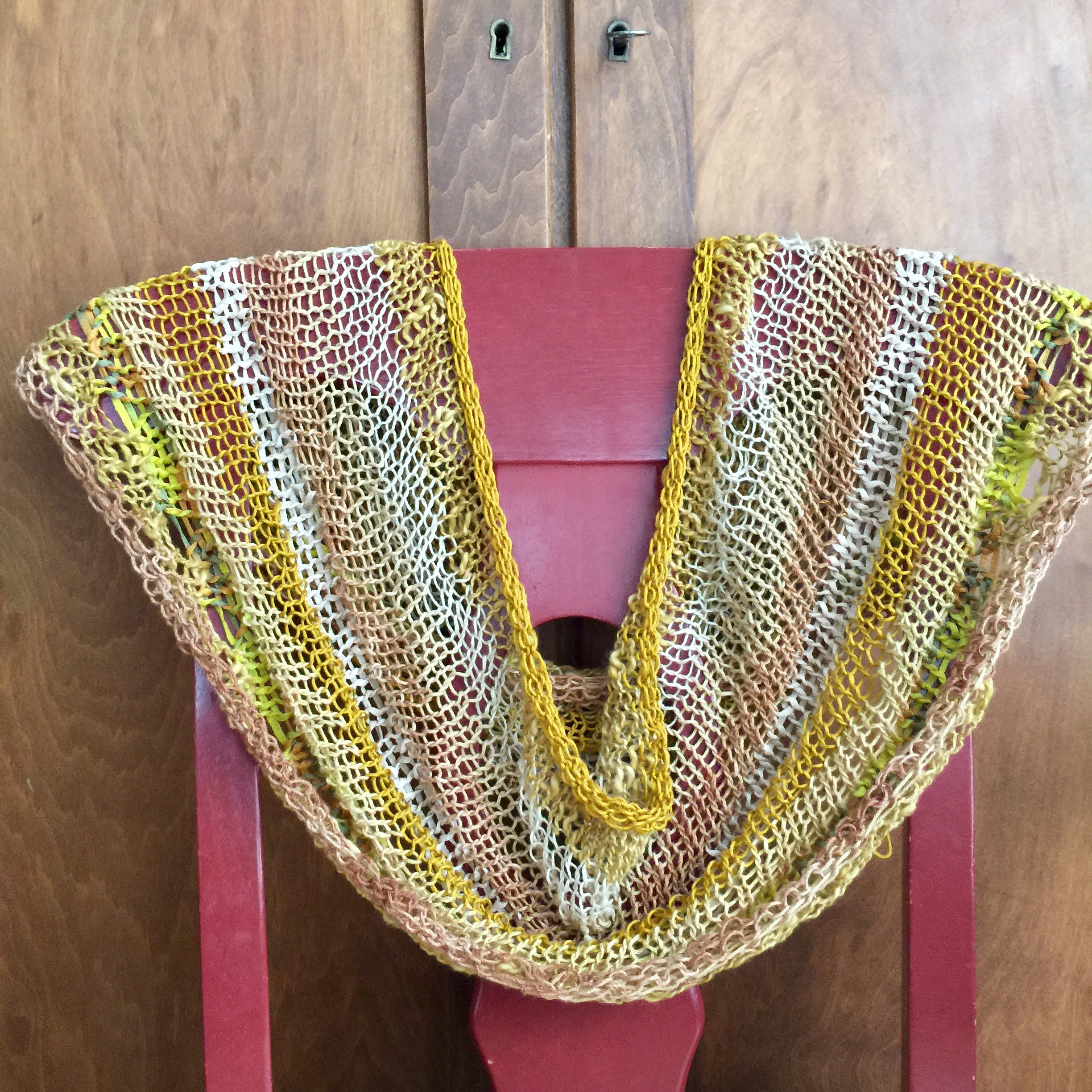 Free Knitting Pattern Imagine Cowl by Petra Breakstone